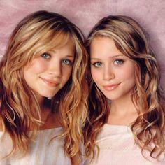 Mary-Kate and Ashley Olsen Ashley Olsen, Ashley Mary Kate Olsen, Celebrity Twins, Olsen Twins Style, Olsen Sister, Going Blonde, Hair Color And Cut, Full House, Hair Makeup