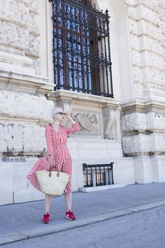 I already shared with you that basket bag is latest obsession in fashion world, so you know I was on a hunt for a perfect one too Basket Bag, Street Style, My Style, Bags, Fashion Bloggers, Vestidos, Sneakers, Feminine Fashion, Women