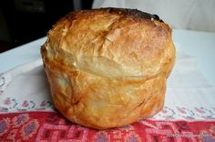 Paine taraneasca de casa pe foi de varza | Savori Urbane My Recipes, Bread Recipes, Cooking Recipes, Pastry And Bakery, Pastry Cake, Romanian Food, Romanian Recipes, Pita, Raw Vegan