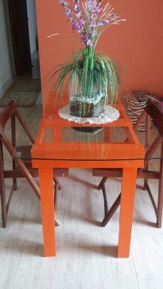 Mesa de pallet com vidro