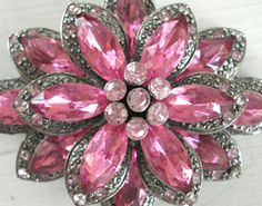 vintage brooches - Google Search  via Robyn Hawpe