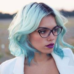 Blue tinted ombre // Alanna Durkovich @xandervintage on ig
