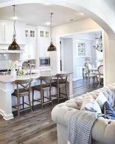 Awesome 55 Luxury White Kitchen Design Ideas https://bellezaroom.com/2017/09/10/55-luxury-white-kitchen-design-ideas/