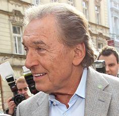 Karel Gott (76) popisuje velmi dramatický příběh! | Spy.cz