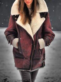 Look Fashion, Winter Fashion, Fashion Clothes, Fashion Outfits, Denim Mantel, Fluffy Coat, Aviator Jackets, Faux Leather Jackets, Leather Coats
