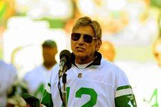 Ex-NY Jets QB Joe Namath blames concussions for long-term brain damage - New York Daily News Knee Problem, Knee Replacement Surgery, Jet Fan, Joe Namath, Baltimore Colts, Brain Diseases, Head Injury, New York Daily News, Football