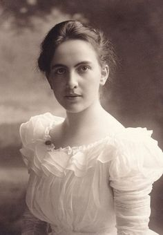 +~+~ Antique Photograph ~+~+ Portrait of a beautiful, serene young woman.