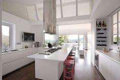 Italian VIP homes - TV presenter Antonella Clerici kitchen #Rome #luxury