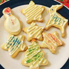Olá pessoal, O Natal está chegando, então resolvi fazer alguns biscoitos amanteigados para presentear ums amigos. Hoje, a receita que estarei compartilhando aqui, é de um biscoito amanteigado que e…