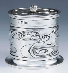 Arts & Crafts silver box, designed by Kate Harris, England, 1902