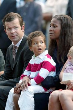 In 2001 Princess Angela gave birth to the couple's son Prince Alfons Constantin Maria of Liechtenstein.