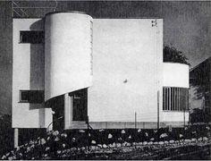 Farkas Molnár | Villa Dalnoki-Kovats | Budapest, Hungria | 1932 Bauhaus Architecture, Modern Architecture, Budapest, Bauhaus Style, Art Deco Buildings, Urban Design, Old Pictures, View Image, Historical Photos