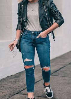 Discover recipes, home ideas, style inspiration and other ideas to try. Winter Outfits, Casual Outfits, Fashion Outfits, Womens Fashion, Casual Dresses, Hijab Casual, Fashion Fashion, Casual Chic, Men Casual
