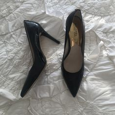 Michael Kors Patent Pumps Lightly worn Michael Kors classic patent pumps! Perfect for work or out. Michael Kors Shoes Heels