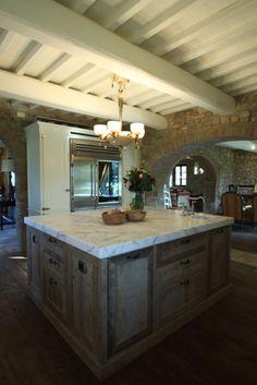 Farm House, Kitchen Island, Kitchens, Home Decor, Island Kitchen, Decoration Home, Room Decor, Kitchen, Cuisine