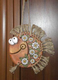 DIY and crafts Eye Makeup eye makeup using kajal Pottery Animals, Ceramic Animals, Polymer Clay Crafts, Diy Clay, Craft Eyes, Clay Fish, Clay Art Projects, Clay Ornaments, Fish Art