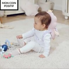 Is the little one learning how to crawl or walk? 👶🏻This protects the most fragile part of the baby's head while they play ⛑ 😍Have peace of mind while they explore the world ✅Tested & trusted by thousands of moms & dads Cute Funny Babies, Cute Kids, Baby Helmet, Baby Life Hacks, Baby Gadgets, Cute Little Baby, Baby Head, Baby Boy Rooms, Baby Crafts