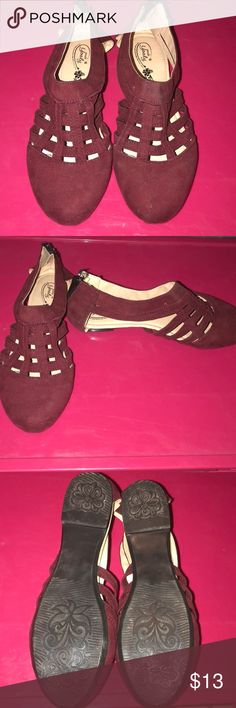 Cute Flats Cute shoes from guanajuato mexico, size 8 in awesome conditions only worn once! Shoes Flats & Loafers