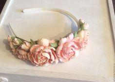 Купить Свадебный ободок с пионами из полимерной глины Вкус персика - бежевый, Персиковый цвет