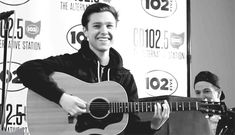 Zach Abels / the neighbourhood