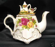 Old Country Roses ROYAL ALBERT Miniature Pottery Tea Pot CARDEW Design Tea  Pot Set 3e6f999c03