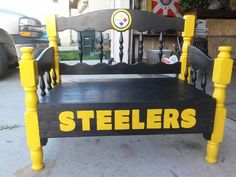 Steelers wooden bench Steelers Helmet, Steelers Football, Steelers Stuff, Football Banquet, Steelers Tattoos, Man Cave And She Shed, Pittsburgh Steelers Wallpaper, Denver Broncos Team, Sports Man Cave