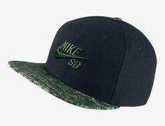 Seasonal Black Gorge Green Snapback Cap by NIKE SB