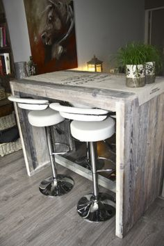 Bartafel oud steigerhout. Designbystaal.nl Pallet Furniture, Garden Furniture, Interior Inspiration, Bar Stools, Woodworking Projects, Sweet Home, New Homes, Room Decor, House Styles