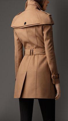 ee1fa18339 A(z) kabát nevű tábla 17 legjobb képe | Trench coats, Blazer és ...