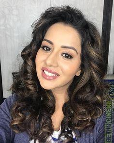 Raiza Wilson smile white teeth Actress Raiza Wilson 2018 New HD Gallery All Indian Actress, Indian Actress Gallery, Most Beautiful Indian Actress, Tamil Actress, Bollywood Actress, Indian Actresses, Raiza Wilson, Anupama Parameswaran, Actress Pics