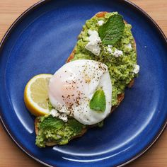Bored of avocado on toast? Try peas with mint and feta on your next brunch fix Veggie Recipes, Vegetarian Recipes, Cooking Recipes, Healthy Recipes, Easy Recipes, Eat Breakfast, Breakfast Recipes, Breakfast Ideas, Proper Tasty