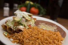 If you're looking for unique Southwestern eats, there's no better place to get your grub on than New Mexico. After living here for four years, I can attest that New Mexican cuisine is a flavorful, fiery treat for the taste buds. Wondering what to… Baked Taquitos, Chicken Taquitos, Authentic Mexican Recipes, Mexican Food Dishes, Mexican Food Recipes, Yummy Recipes, Recipies, Tamale Meat Recipe, Ground Beef And Potatoes
