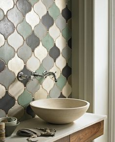 wall mount & tile