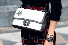 Street style Londres SS15, sheriff, chanel, bag, bolso.