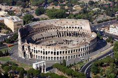 I lavori per il restauro del Colosseo, dopo mesi di dispute, polemiche e ricorsi, possono partire. Lo ha annunciato il sindaco di Roma Gianni Alemanno: ''Il 31 luglio partira' il restauro del Colosseo. Erano 73 anni che non si faceva un restauro organico dell'anfiteatro Flavio''. In quella data,