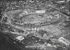 O estádio do Maracanã sendo construído no ano de 1949 para sediar jogos da Copa do Mundo de 1950. Foto Arquivo Museu Aeroespacial Divulgação
