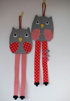 Sponkovník sova Craft Stick Crafts, Crafts To Do, Crafts For Kids, Paper Crafts, Diy Crafts, Hair Accessories Holder, Organizing Hair Accessories, Felt Case, Fabric Ornaments