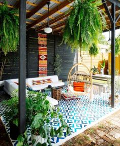If you're just a beginner at throwing together amazing boho interiors, you might be in awe looking at beautiful, colourful and stunning images of Bohemian Chic homes, daydreaming about decorating y… Bohemian Chic Home, Bohemian Lifestyle, Lifestyle Blog, Deco Restaurant, Rock Decor, Outdoor Living, Outdoor Decor, Patio Design, Garden Inspiration