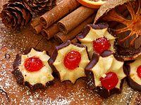 Cukroví z křehkého těsta Christmas Baking, Waffles, Cookies, Breakfast, Food, Crack Crackers, Morning Coffee, Eten, Cookie Recipes