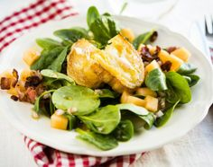 Warm Goat Cheese and Spinach Salad, Lämmin vuohenjuusto-pinaattisalaatti, resepti – Ruoka.fi