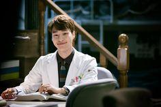 behind the scenes smiley yang se jong Korean Male Actors, Asian Actors, Drama Film, Drama Series, Drama Korea, Korean Drama, Kim Rae Won, Romantic Doctor, Kdrama Actors