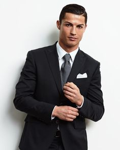 Who Is Your Style Inspiration? Cristiano Ronaldo Portugal, Cristiano Ronaldo Juventus, Neymar, Cristiano 7, Juventus Fc, Best Dressed Man, Sharp Dressed Man, Cr7 Jr, Cristino Ronaldo