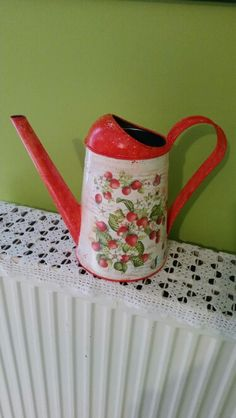 Metallic Watering can-decoupage by me.
