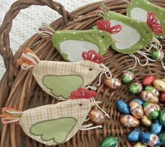 quilted easter chicken pouch - tutorial and what great timing as Easter is just around the corner.
