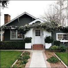 133+ best modern farmhouse exterior design ideas - page 38   homeinspirationss.com