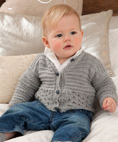 Baby Knitting Patterns Sweet and Cuddly Baby Cardigan Free Knitting Pattern from Re. Baby Knitting Patterns, Crochet Baby Cardigan Free Pattern, Free Baby Patterns, Love Knitting, Knitting For Kids, Easy Knitting, Cardigan Pattern, Knitting Ideas, Knitting Supplies
