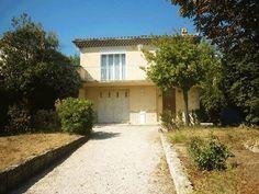 C Vendu en 23 Jours !!!  Maison de type 4 avec un terrain arboré et un garage.  Située à Saint Jérôme, Marseille 13013