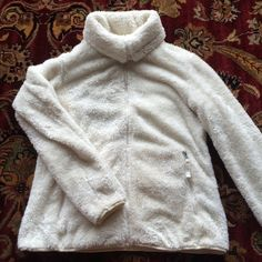 Fuzzy White Weatherproof Sweatshirt I am selling my weatherproof sweatshirt. It is super fluffy and comfy. PERFECT condition, no rips, stains or tears. Thanks for looking! Weatherproof Jackets & Coats