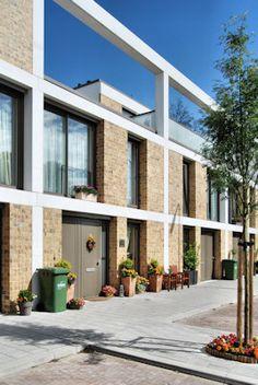 Als uitgangspunt voor de architectonische expressie van ons bouwplan is gekozen voor aansluiting op de bestaande wederopbouw architectuur van Den Haag Zuid-West. Kenmerkend voor deze architectuur is onder andere het samenspel van de structuur en …