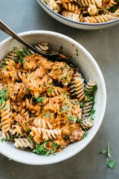 Cozy Weeknight Staple: Creamy Vegan Tomato Sauce — dolly and oatmeal Healthy Recipes, Whole Food Recipes, Vegetarian Recipes, Red Lentil Pasta Recipes, Vegetarian Lunch, Creamy Tomato Sauce, Le Diner, Italian Recipes, Food Inspiration